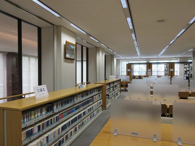 今月の図書館